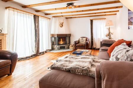 Alpine Ski apartment close to Corviglia, St Moritz