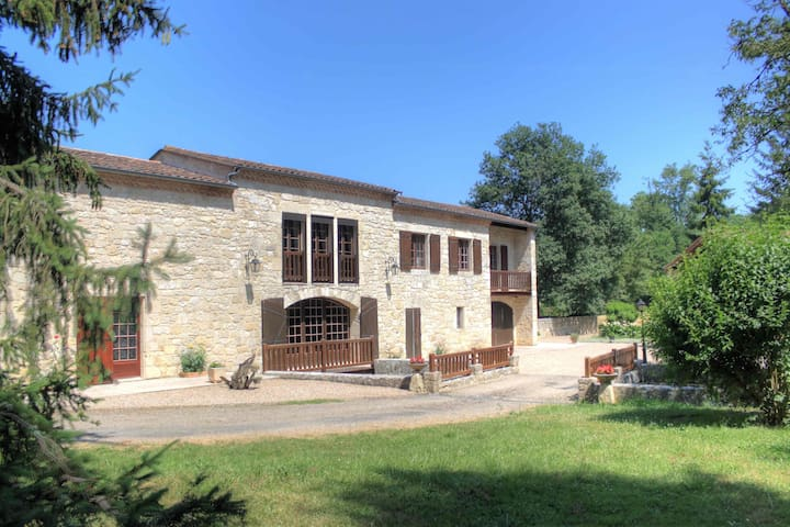 MOULIN A EAU - LIEU INSOLITE - Pont-du-Casse - House