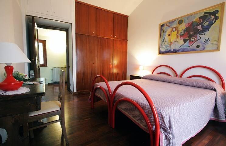 Rooms in Villa Terni / Umbria - Terni - Bed & Breakfast