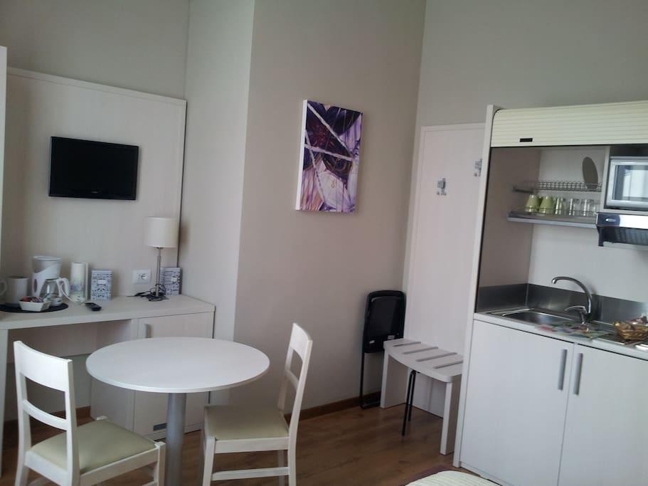 Kitchen corner in bedroom 2