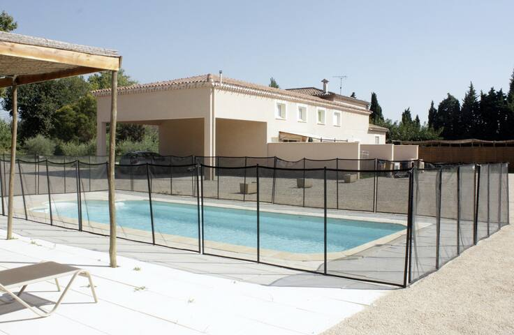 Gite avec piscine a la campagne houses for rent in for La piscine translation