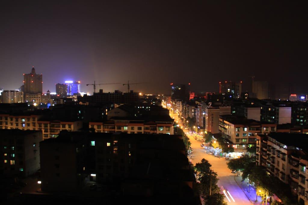 楼顶的夜景