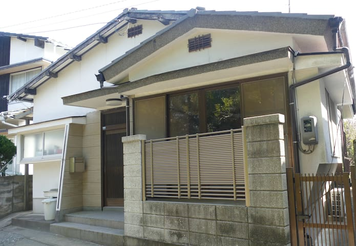 Independent and quiet house in the historic center