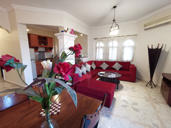 02 BR apartment with a big lovely pool 119A3