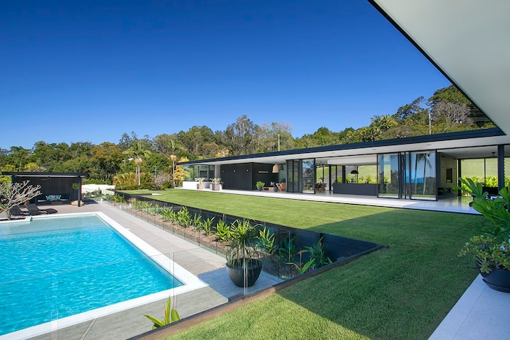 The Glasshouse Noosa Hinterland-Resort Style Home