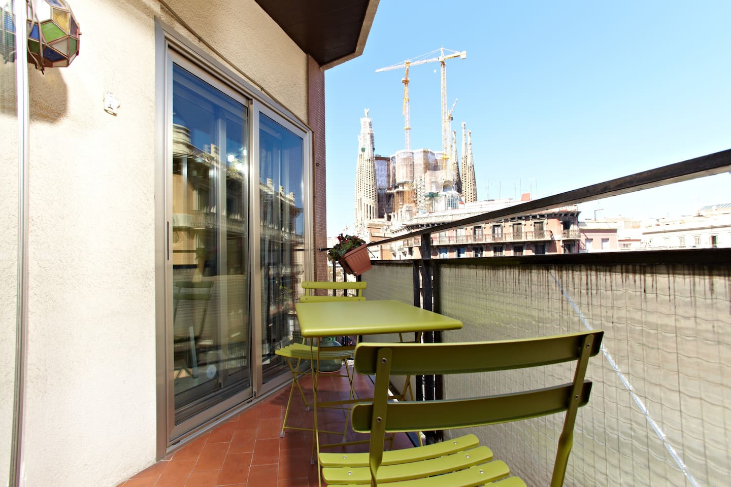 Balcony view to Sagrada Familia (double sliding doors with double-glazing for acoustic and thermal insulation)