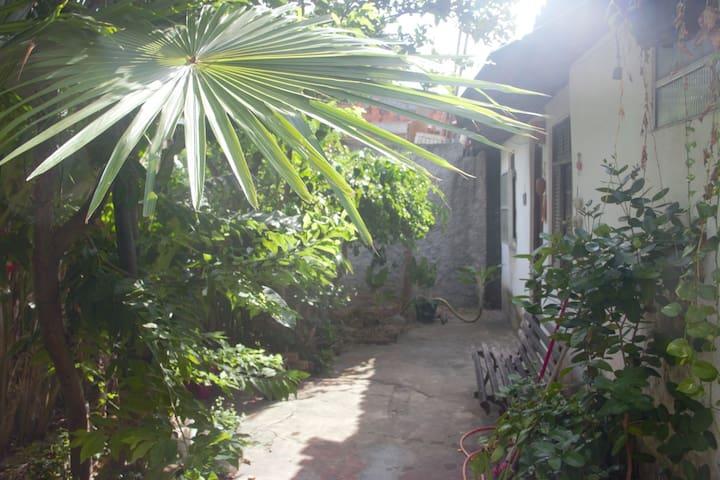 Casa Astral - Arborizada e Próxima da praia -  RV