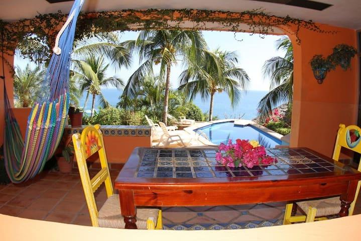 Hotel Villa Tropical master suite