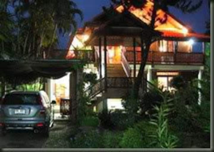Visit Sukhothai  stay at Thai house
