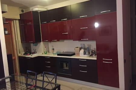 AFFITTO STANZA/APPARTAMENTO - Pavia - Apartament