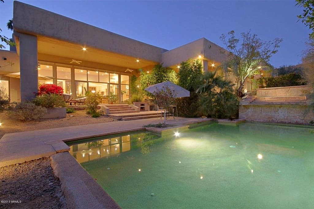 Welcome to our Stunning contemporary home in paradise valley