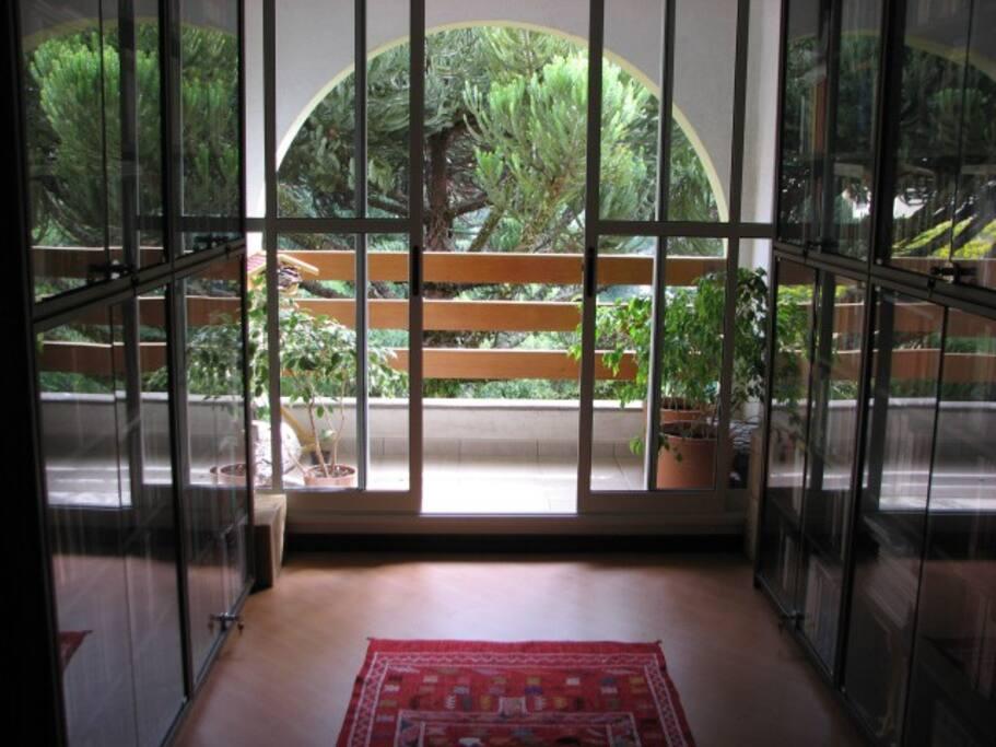 Quiet bedroom with view to garden