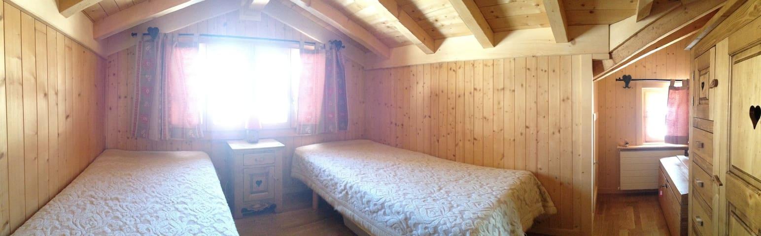 Duplex flat in Gstaad / Rougemeont - Rougemont - Chalet