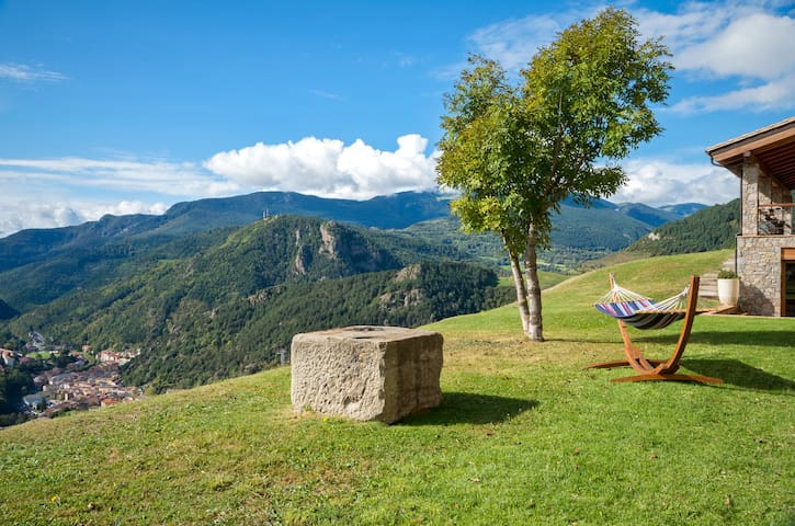 Comfortable room with delightful views in Pyrenees