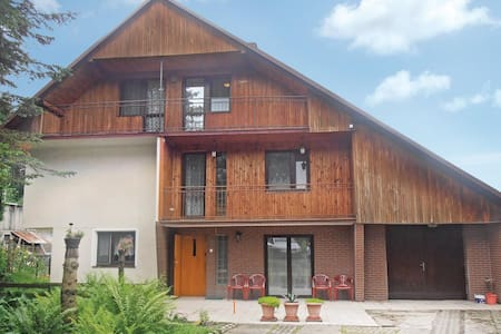 Holiday cottage with 5 bedrooms on 200m² in Mogilany