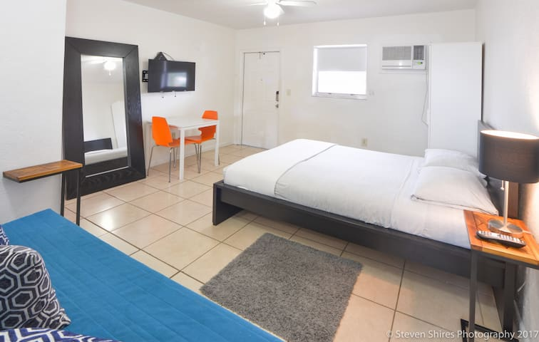 Trendy Wynwood, Amazing Flat ( Full Kitchen) | No Cleaning Fee
