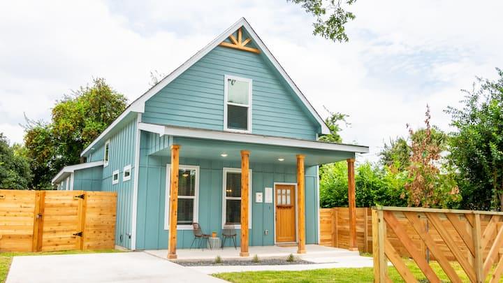 SATX Lone ⭐️ Casa - Mins to Downtown & RiverWalk~~~