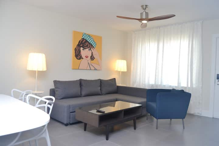 Royal Palms One-bedroom Apartment