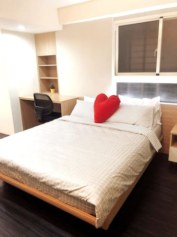 Cozy studio close to Taipei main station(1 stop)