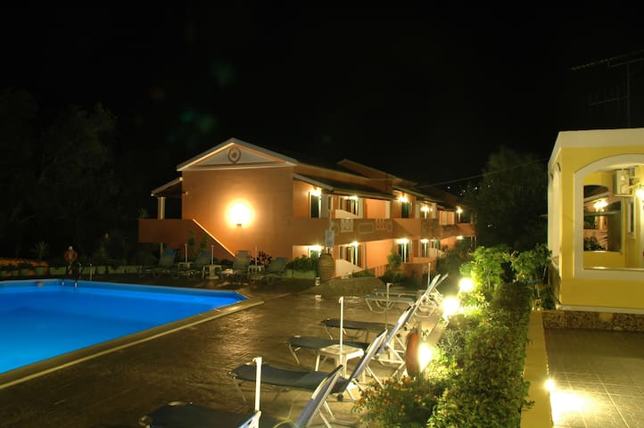 Annas pool- Studio for 4 in Arillas - Corfu - Apartmen