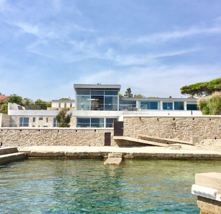 Villa d'architecte, accès privé plage, port privé