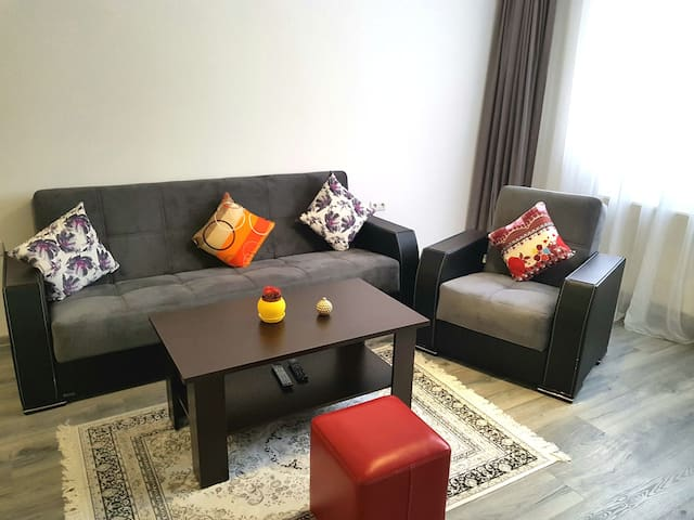 Smart clean apartment in friendly complex (1 of 2)