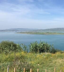 Belle vue sur le plus grand barrage du maroc