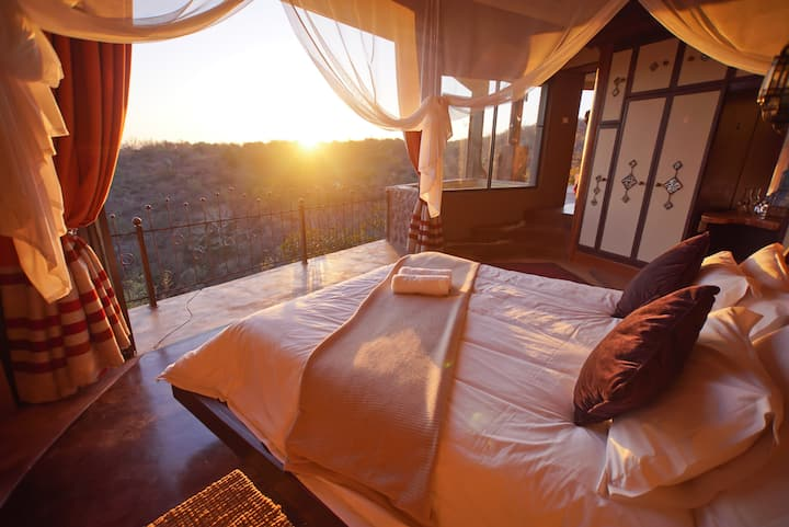 Leopards Rock Bush Boutique - Honeymoon Suite
