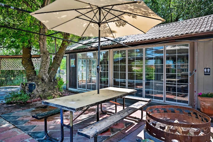 You'll have access to a shared patio and park space.
