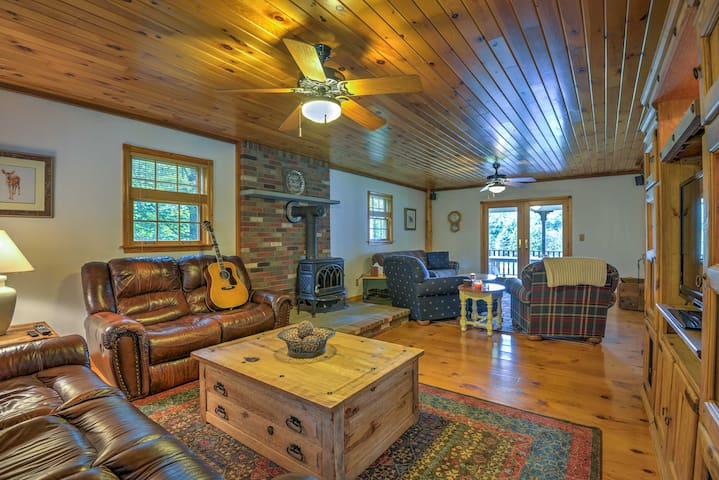 NEW! 3BR Elk Mtn Area House w/ Stunning Yard&Deck!