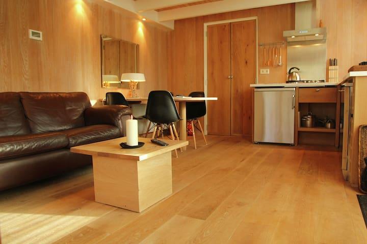 Accogliente casa vacanze a Heiloo con terrazza