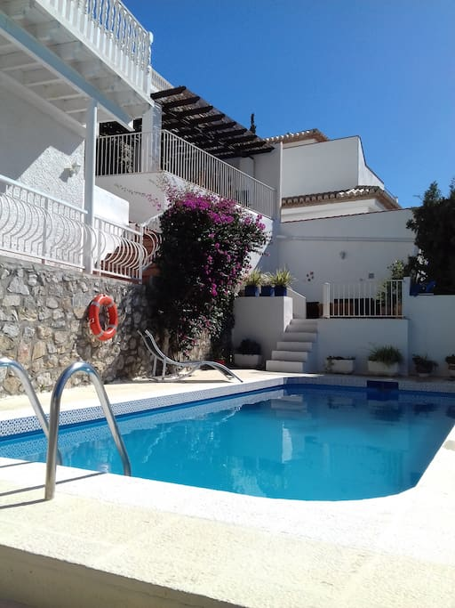 Gorgeous private pool and terraces with barbeques to enjoy the sunshine!