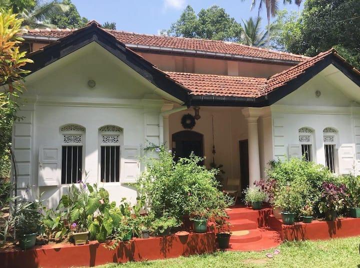Lanski Homestay Kandy - Fine Ancestral Home