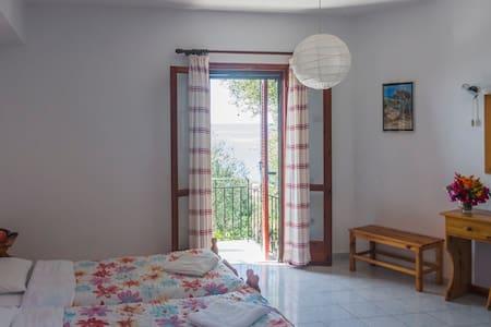 Zimmer mit Meerblick - Lourdata - Bed & Breakfast