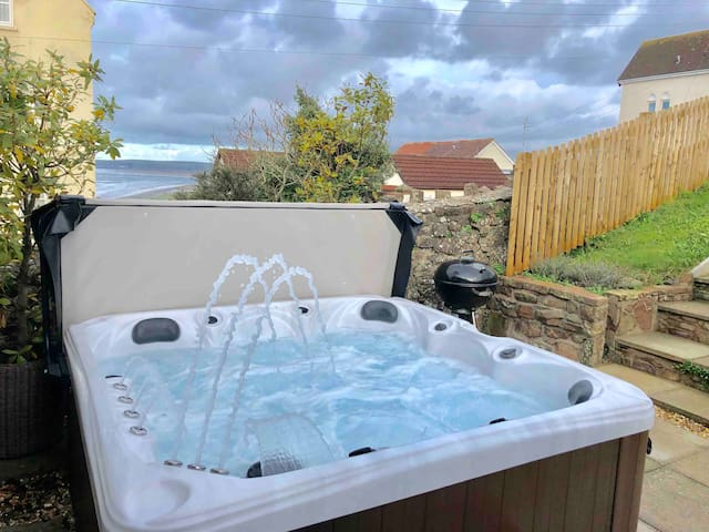 Lundy Lookout! With Amazing Hot Tub!! EV Charger