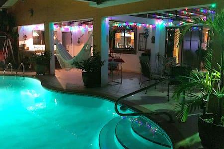 FULL COMFORT STUDIO - BEST PRICE IN MIAMI! - Miami Springs - Aamiaismajoitus