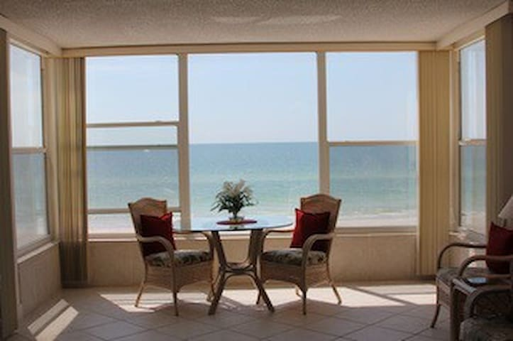 #1 on Trip Advisor! May special! - Madeira Beach - Apartment