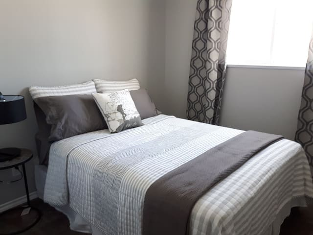 2nd bedroom with double bed.