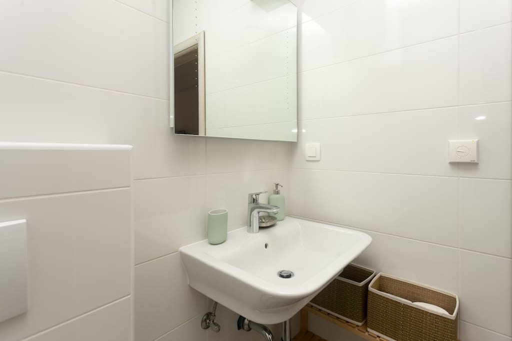 Bathroom of bedroom 2