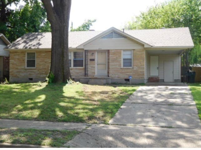 Welcome home. Remodeled home with 3beds & 1.5 bath