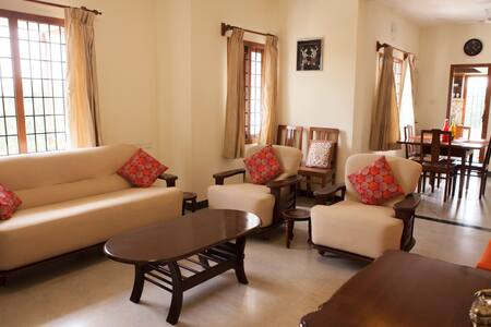 Cozy, charming 2BHK by the beach