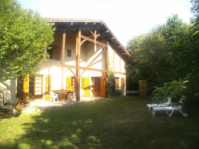 "Country house ""LeSourire"" at the lake in Sanguinet"