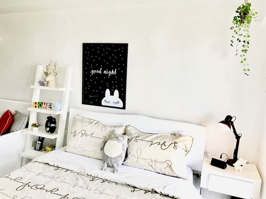 Queen size comfy bed with cute owl