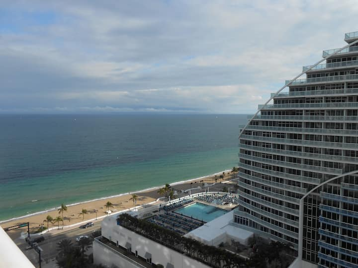 Luxury Unit Q Club Resort Great View of Ocean 1903