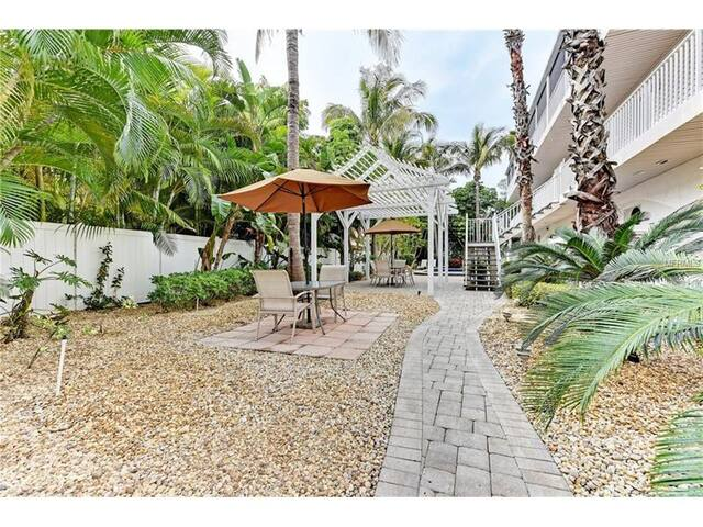 Condo by the beach on Anna Maria Island - Holmes Beach - Kondominium