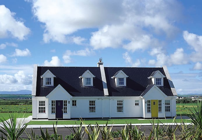 Ballybunion Holiday Cottage No.17
