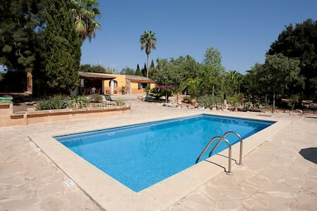 FINCA FOR 4 PEOPLE AT ONLY 12 KM FROM BEACHES - Manacor - House