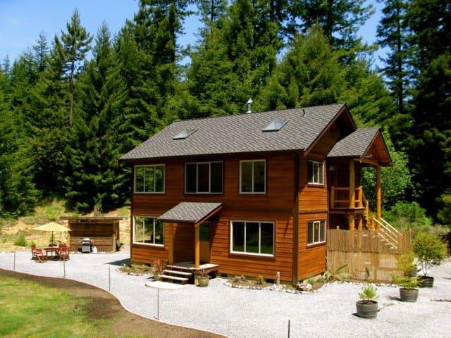 Redwood Chalet