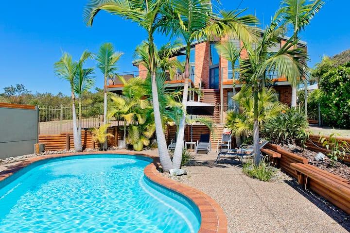 Panorama Beach House - luxury executive home