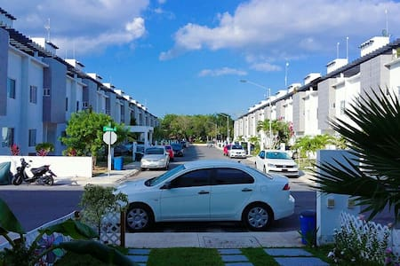 2 Premium quality  bedrooms in a gated community. - Playa del Carmen - House